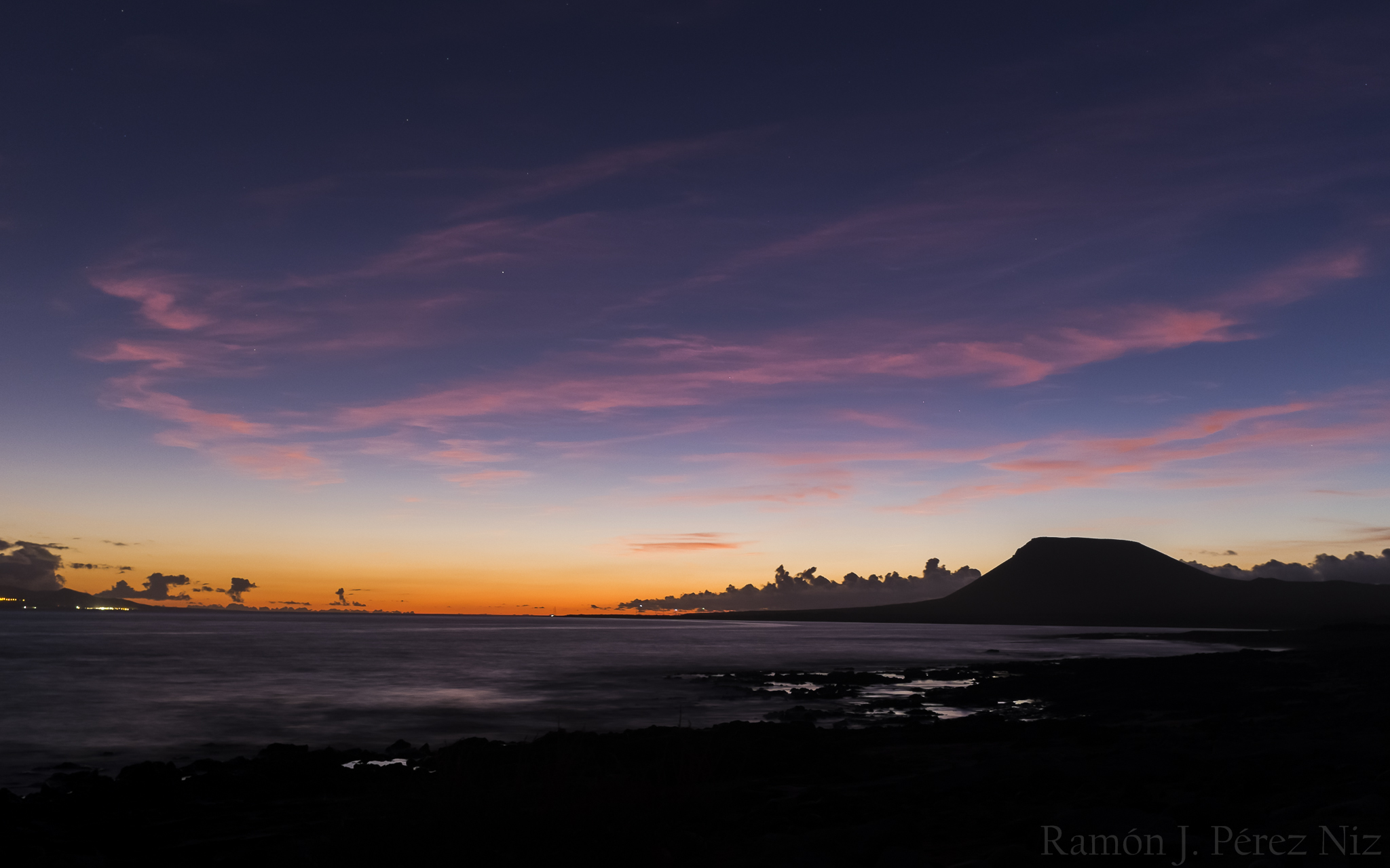 Foto de Ramón Pérez Niz, tranquilidad en Caleta del Sebo. La Graciosa. Playa del Salao.