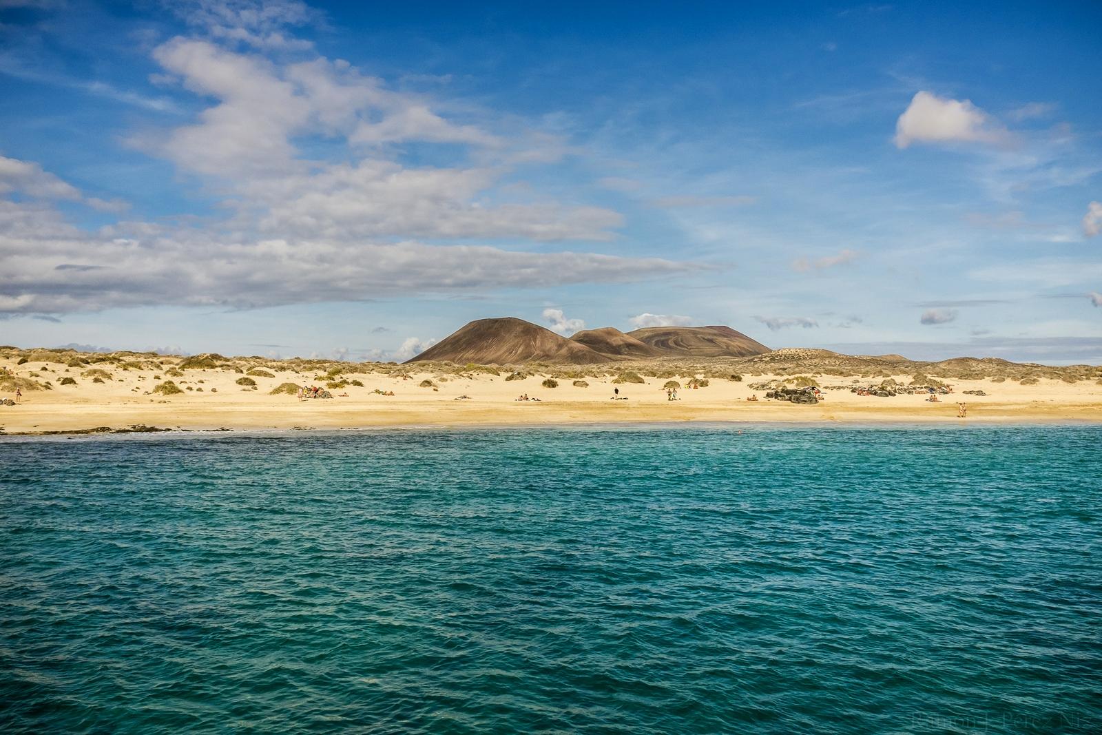 Foto de Ramón Pérez Niz, baño en playa francesa, isla Graciosa