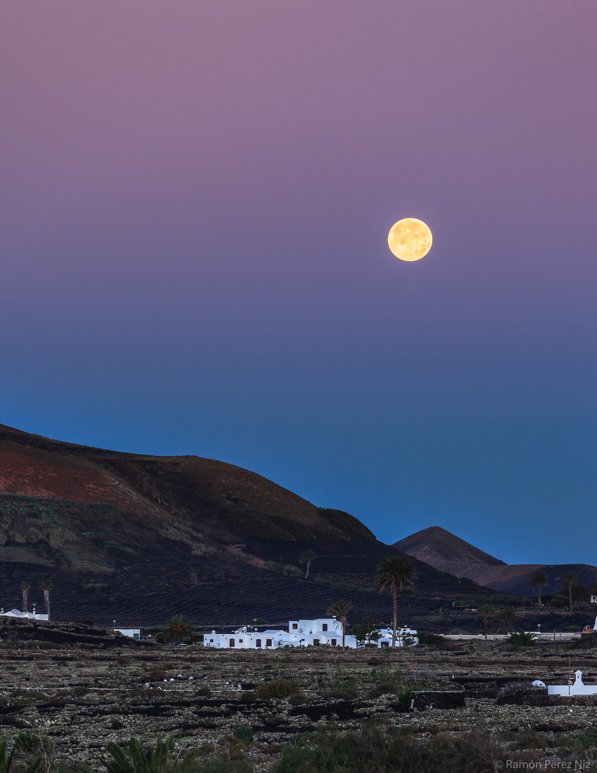 Foto de Ramón Pérez Niz, luna llena en Masdache