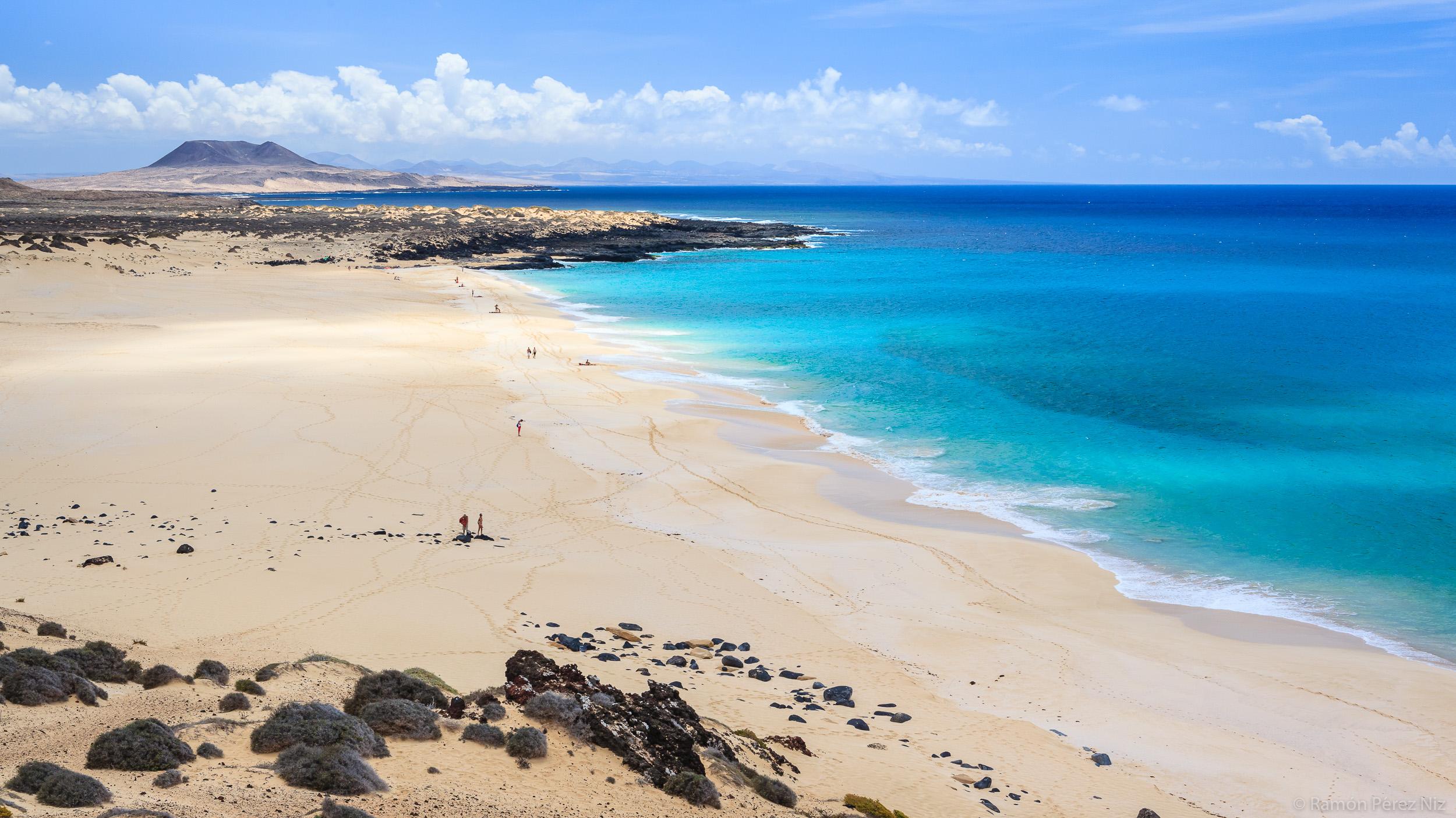 Playa de Las Conchas, foto de Ramón Pérez Niz