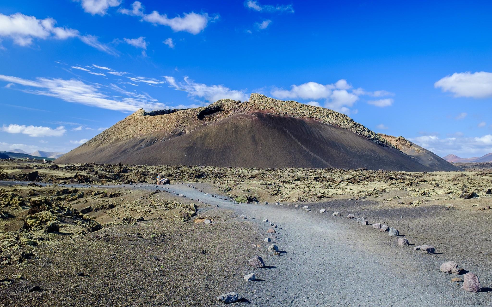 Foto de Ramón Pérez Niz en el Volcán de los Cuervos.