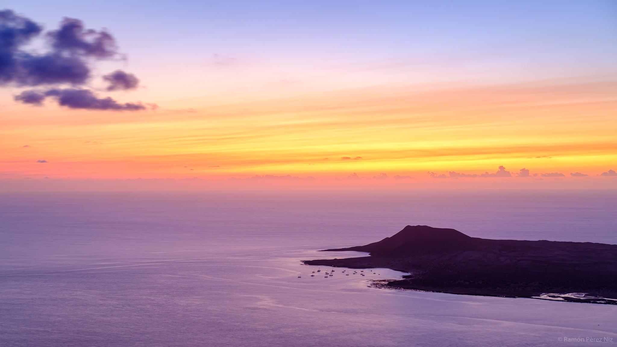 Playa Francesa y Montaña Amarilla al Atardecer desde el Risco de Famara Fotografía de Ramón Pérez Niz